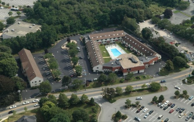 The Admiralty Inn & Suites • East Falmouth, Mass.